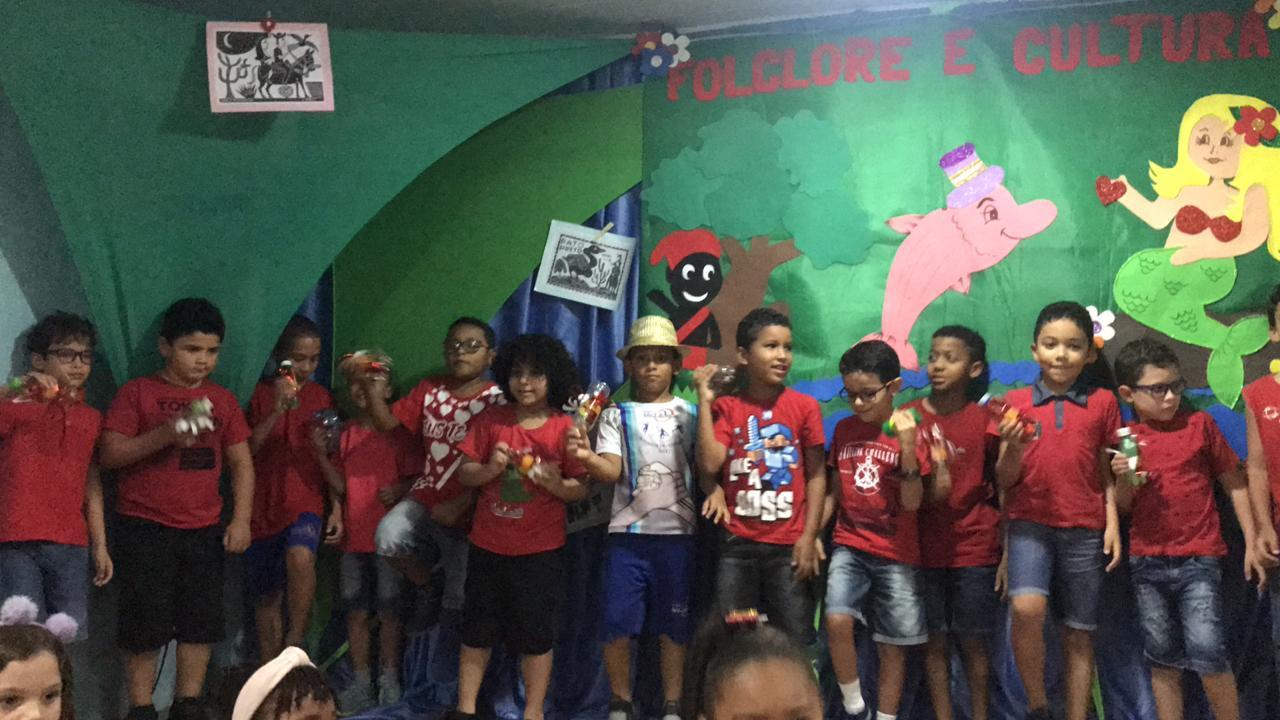 http://escolasaojorge.com.br/site/comemoracao-do-folclore-do-1o-ano-fundamental/